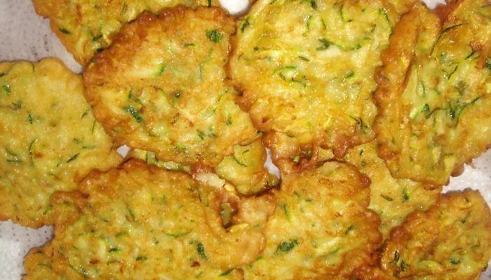 Оладьи, рецепт экономного блюда на каждый день