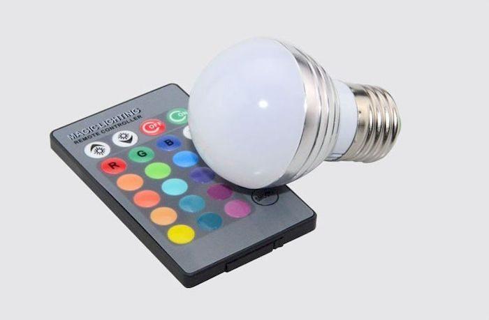 Цветная светодиодная лампа, фото