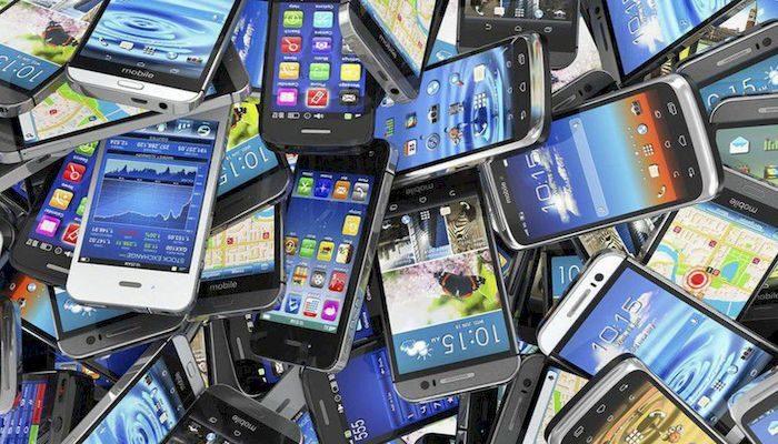 Широкий ассортимент смартфонов, фото
